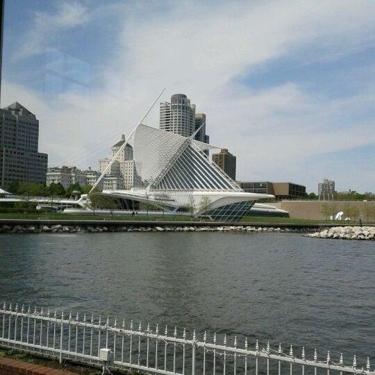 Foto tomada en Harbor House por Jerekah W. el 5/17/2012