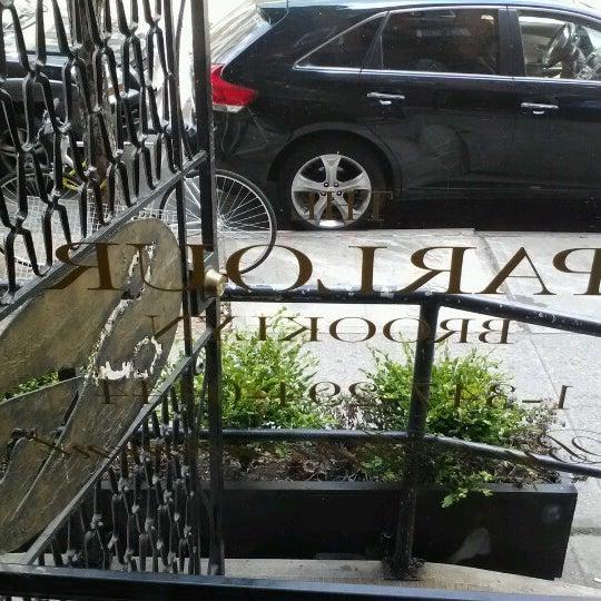 Das Foto wurde bei The Parlour Brooklyn von Jeffrey D. am 7/16/2012 aufgenommen