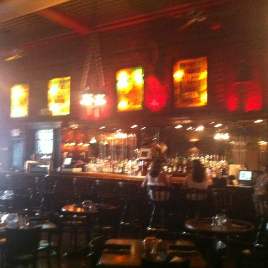 Снимок сделан в The Owl Bar пользователем joezuc 7/9/2012