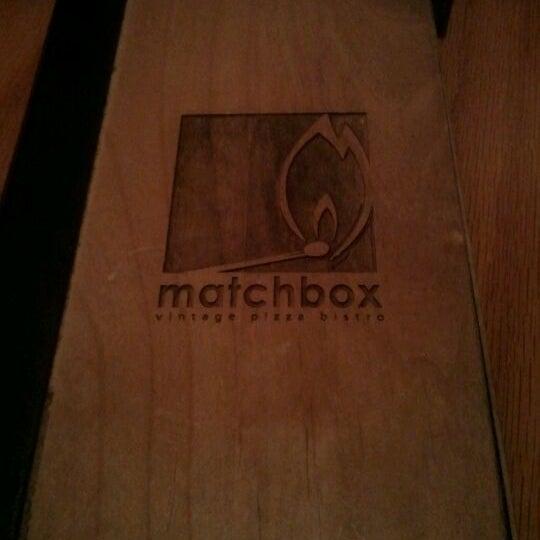 Das Foto wurde bei Matchbox Vintage Pizza Bistro von Precyous S. am 4/22/2012 aufgenommen