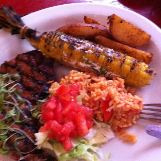 Foto scattata a Paco's Tacos & Tequila da John G. il 5/30/2012