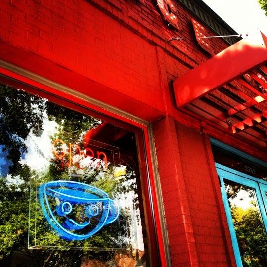 8/15/2012에 Brandon W.님이 Peace Coffee Shop에서 찍은 사진