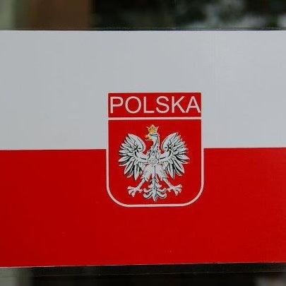 O Goulash, servido com arroz de coco é imperdível! E a szarlotka, tortinha de maça tradicional da Polônia, é divina!