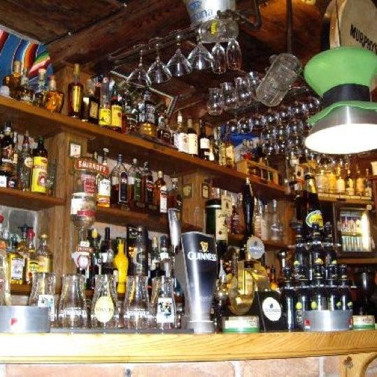 Foto diambil di All Black Irish Pub oleh João F. pada 5/31/2012