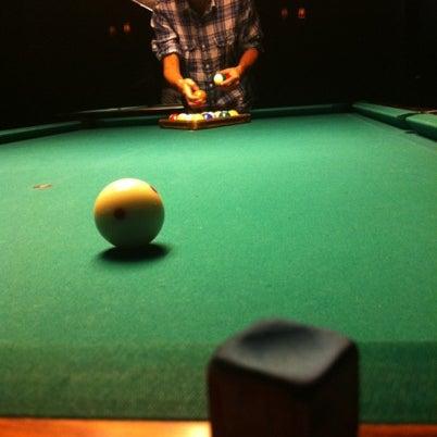 Foto tomada en Society Billiards + Bar por P.J. C. el 8/9/2012