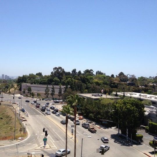 Foto scattata a Hotel Angeleno da Christopher S. il 5/28/2012