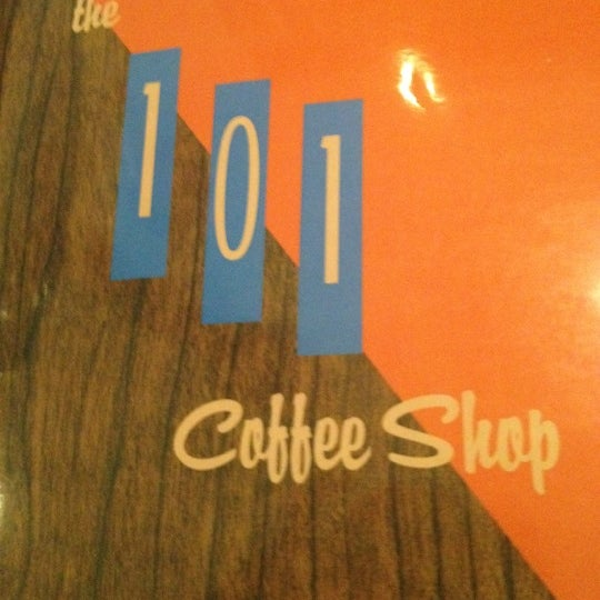 Foto tomada en The 101 Coffee Shop  por Jason M. el 9/2/2012