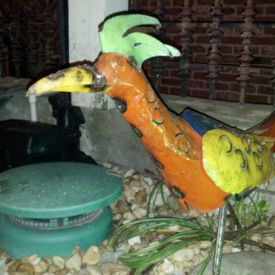 6/17/2012にWesley B.がTijuana Garageで撮った写真