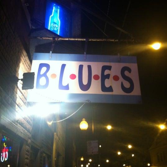 6/10/2012 tarihinde Emily B.ziyaretçi tarafından B.L.U.E.S.'de çekilen fotoğraf