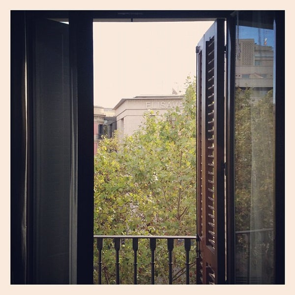 Foto diambil di Hotel Arc La Rambla oleh Aitor (. pada 9/13/2012