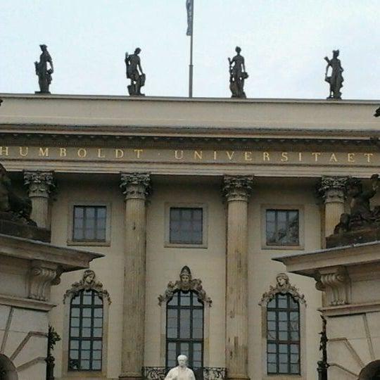 6/6/2012에 Anne H.님이 Humboldt-Universität zu Berlin에서 찍은 사진
