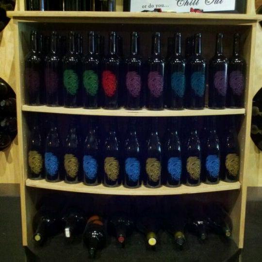 4/26/2012 tarihinde Ken W.ziyaretçi tarafından Thumbprint Cellars Tasting Room & Art Gallery'de çekilen fotoğraf