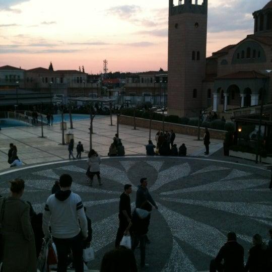Foto tomada en Mediterranean Cosmos por Stella P. el 3/31/2012