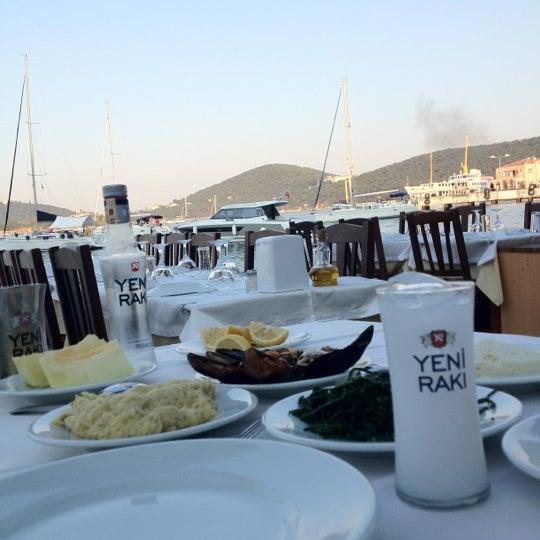 Foto tirada no(a) Yasemin Restaurant por İsmail T. em 7/7/2012