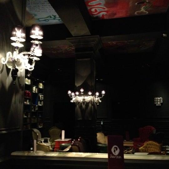 Foto tomada en The Lady Silvia Lounge por Chris K. el 3/8/2012