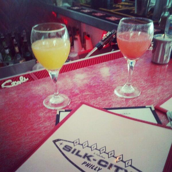 Снимок сделан в Silk City Diner Bar & Lounge пользователем Marty S. 6/2/2012