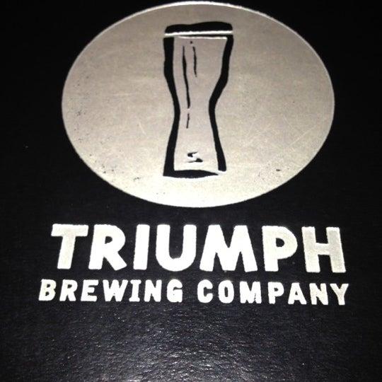 4/25/2012 tarihinde Michael O.ziyaretçi tarafından Triumph Brewing Company'de çekilen fotoğraf