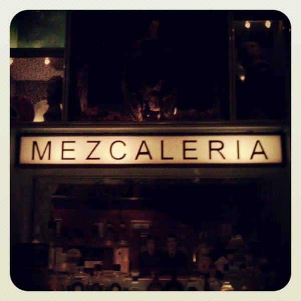 Foto tomada en Casa Mezcal por Jorge G. el 4/26/2012