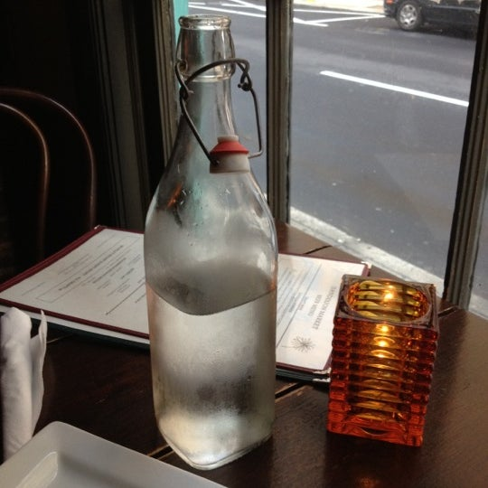 8/15/2012 tarihinde Megan A.ziyaretçi tarafından Dandelion Market'de çekilen fotoğraf