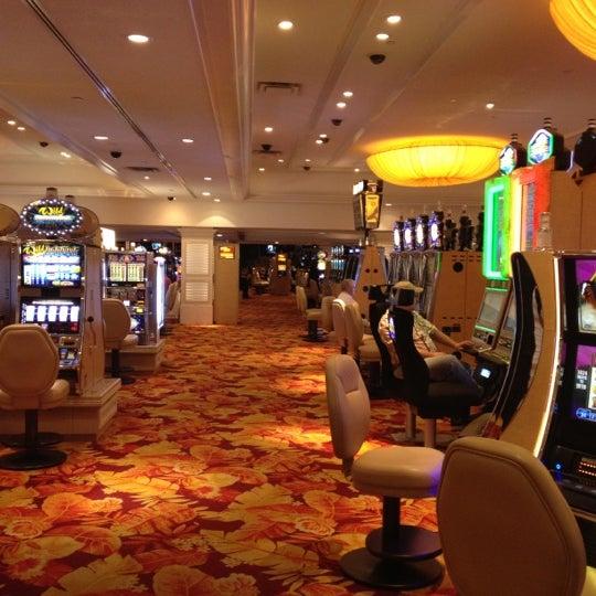Снимок сделан в Tropicana Las Vegas пользователем Mike G. 2/27/2012