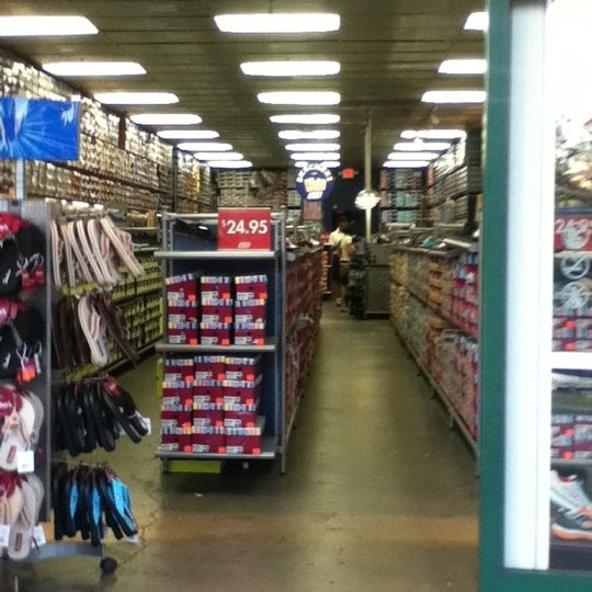 skechers outlet gilroy