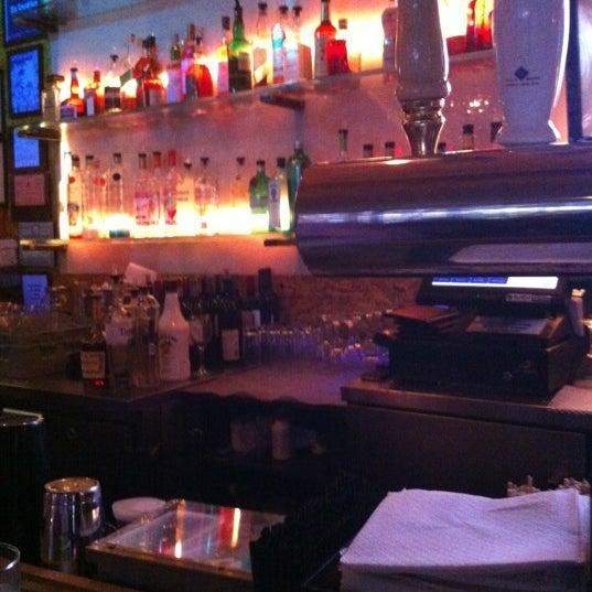 Foto tomada en Vodou Bar por Troy H. el 6/22/2012