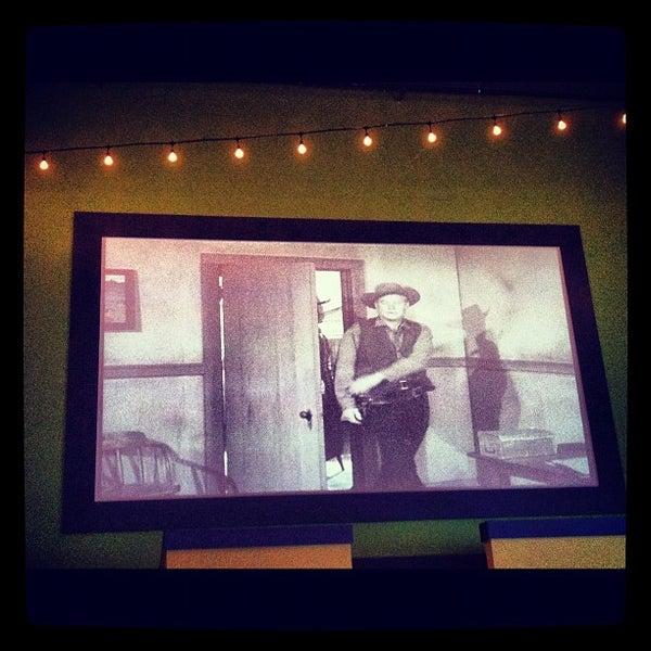 Снимок сделан в El Real Tex-Mex Cafe пользователем Amanda H. 8/17/2012