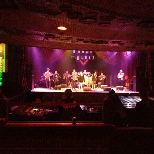 Foto diambil di House of Blues oleh Lauren S. pada 8/28/2012