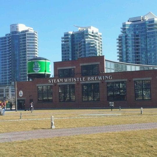 3/11/2012 tarihinde Allan K.ziyaretçi tarafından Steam Whistle Brewing'de çekilen fotoğraf