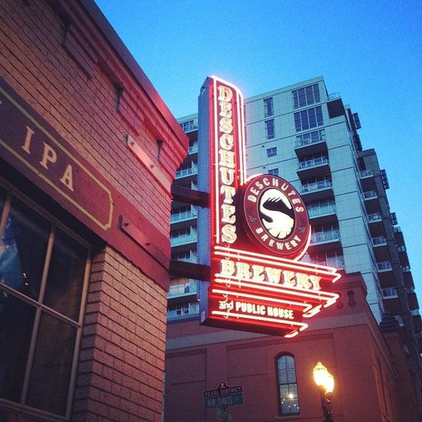 Foto scattata a Deschutes Brewery Portland Public House da Jeremy C. il 5/8/2012