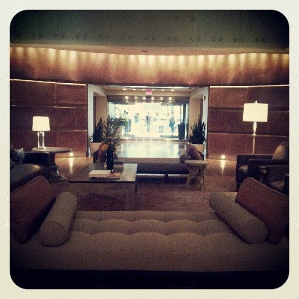 Снимок сделан в Magnolia Hotel пользователем Josh H. 8/18/2012