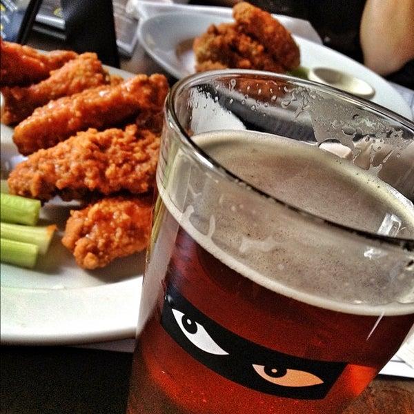 Foto diambil di Beer Authority NYC oleh Anthony Q. pada 5/10/2012
