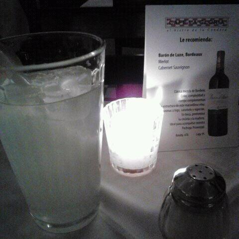 Foto tirada no(a) Café La Gloria por Coppelia S. em 2/29/2012