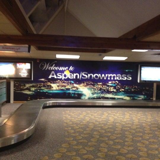 Photo prise au Aspen/Pitkin County Airport (ASE) par Sam B. le7/19/2012