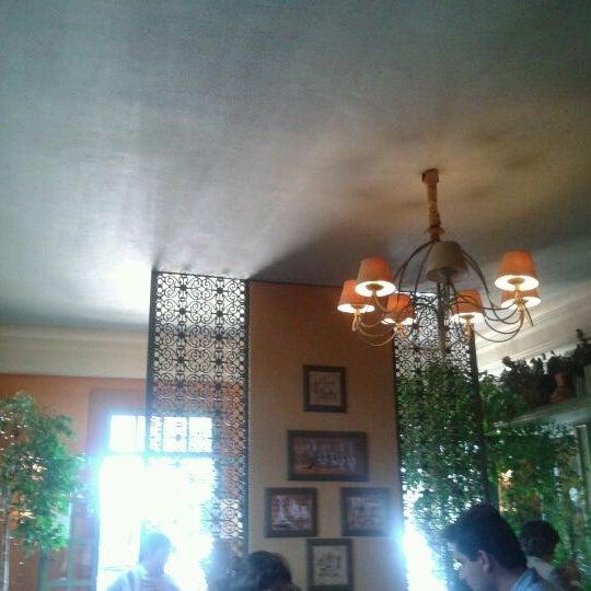 Photo prise au Villa Tevere par Daniel A. le4/19/2012