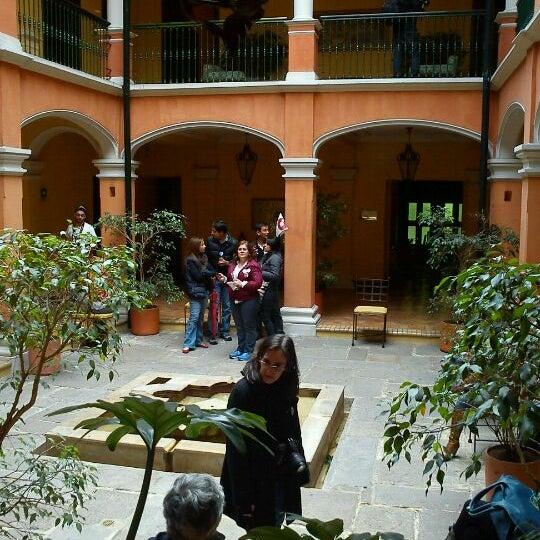 รูปภาพถ่ายที่ Hotel de la Opera โดย Diana Carolina A. เมื่อ 8/26/2012
