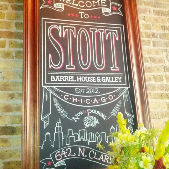 Foto diambil di Stout Barrel House and Galley oleh Patrick pada 6/20/2012