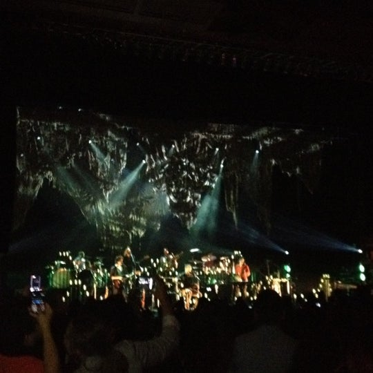 Foto diambil di The Fillmore Miami Beach at The Jackie Gleason Theater oleh Michael R. pada 6/7/2012