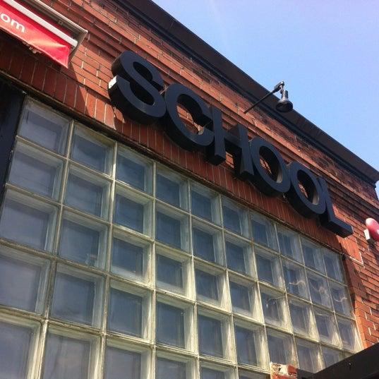 5/18/2012 tarihinde Michael M.ziyaretçi tarafından SCHOOL Restaurant'de çekilen fotoğraf