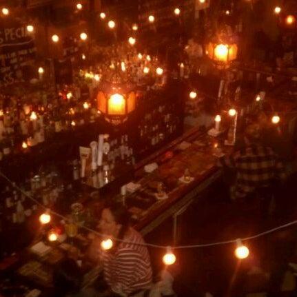 Photo prise au Lulu's par Tom M. le3/26/2012