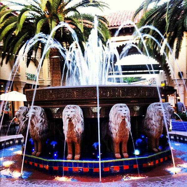 Снимок сделан в Irvine Spectrum Center пользователем tareq a. 8/4/2012