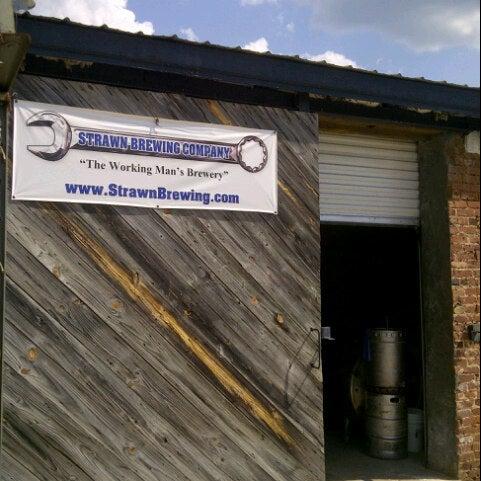 Das Foto wurde bei Strawn Brewing Company von BeerGeekATL E. am 8/21/2012 aufgenommen