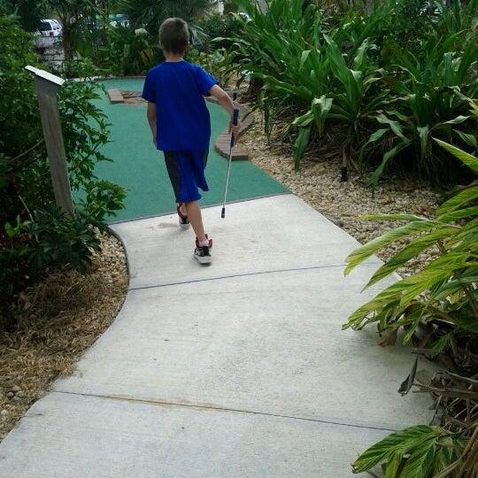 Das Foto wurde bei Palmetto Golf Course von Allison M. am 3/14/2012 aufgenommen