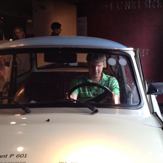 5/19/2012 tarihinde Romanziyaretçi tarafından DDR Museum'de çekilen fotoğraf