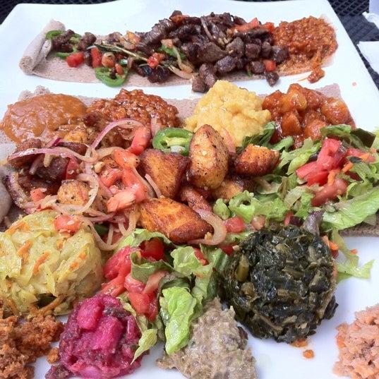 Foto scattata a Desta Ethiopian Kitchen da Michael S. il 8/2/2012