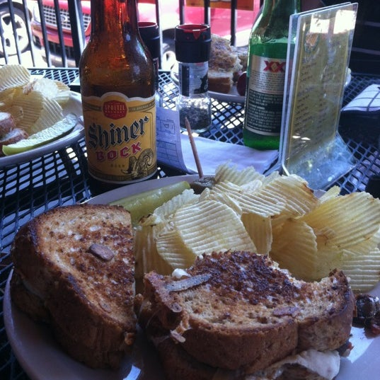 Foto tirada no(a) Hammontree's Grilled Cheese por Alicia G. em 4/25/2012