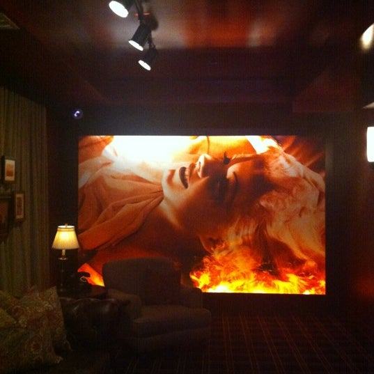 7/12/2012 tarihinde Guy D.ziyaretçi tarafından The Redbury'de çekilen fotoğraf