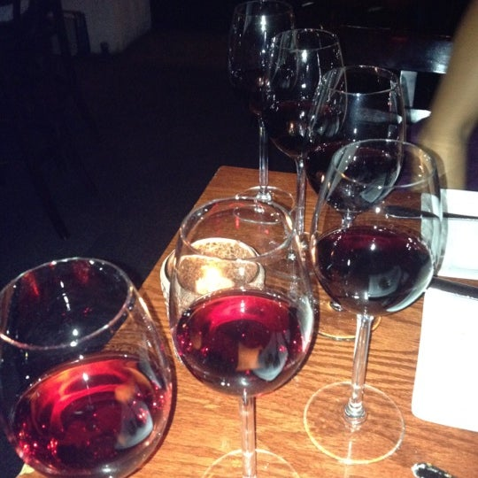 8/25/2012にJennifer A.がThe Tangled Vine Wine Bar & Kitchenで撮った写真