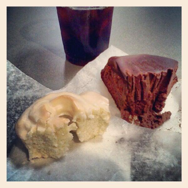 Das Foto wurde bei Flying Monkey Bakery von Norel G. am 5/20/2012 aufgenommen