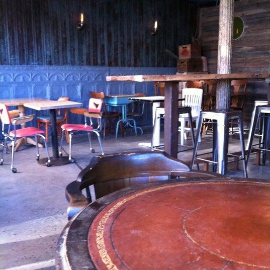 รูปภาพถ่ายที่ Puerto Viejo โดย thecoffeebeaners เมื่อ 5/4/2012